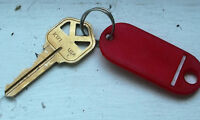 Found single key with tag on Grosvenor 5:30 pm Aug 26 Friday