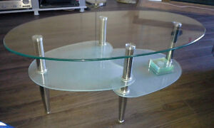 oval coffee table / table de cafe ovale