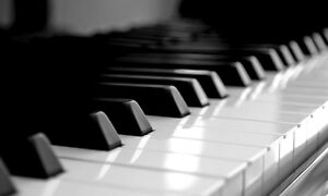 Piano & voice lessons in French or English in Sherwood Park Strathcona County Edmonton Area image 1