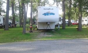 2007  Sunnybrook BFWS 31 5th wheel camper sleeps 6