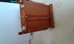 Painting case/ easel