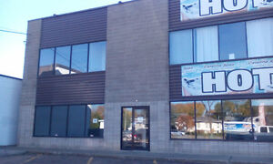 FOR LEASE: 5,000 SQ FT INDUSTRIAL/OFFICE/SHOWROOM SPACE
