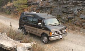Dodge Ram Van B250 GetAway Camper Motorhome RV