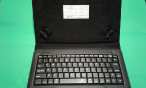 9 inch to 10 inch Tablet Case With Bluetooth Keyboard