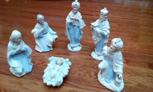 Rare Nativity Scene figurines (6)