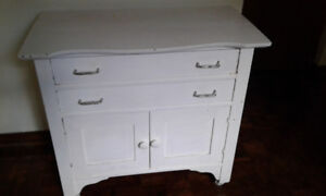 Small Charming Cabinet