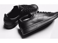 Adidas Stan Smiths - Black - Size 11 - Great Condition