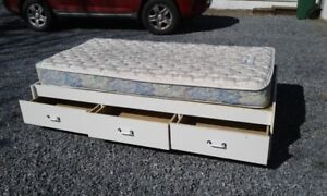 Kids Bed for Sale.... $100 obo