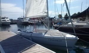 Hunter 17 Sailboat