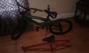 Bmx bike and extra frame
