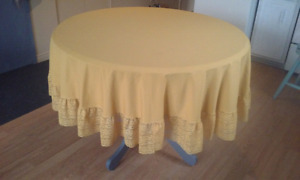 Nappe ronde ancienne
