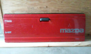 !Red tailgate Ford Ranger / Mazda B series New Price !!!