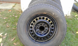 winter tires with rims 215-65-15 West Island Greater Montréal image 2