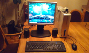 Ordinateur windows 10 écran clavier souris haut-parleur  jeux