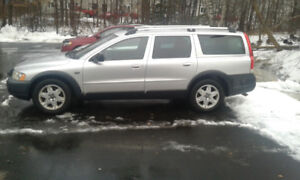 Volvo XC 70 2005  Wagon  in great condition inside and out