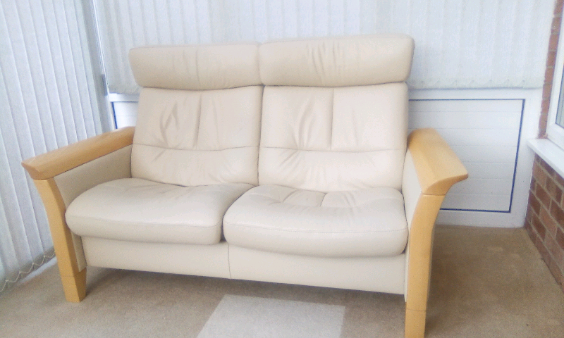 Fantastic Stressless Baron 2 Seater Recliner Sofa In Luton Bedfordshire Gumtree Evergreenethics Interior Chair Design Evergreenethicsorg