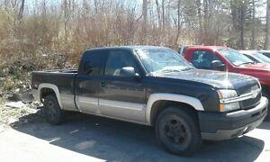 2004 Chevrolet Silverado 1500 Black/Silver Pickup Truck