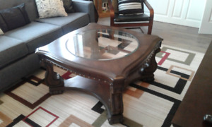 WOOD AND GLASS COFFEE TABLE - LIKE NEW!
