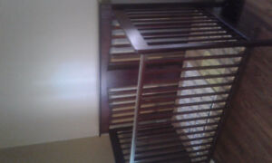 Selling baby crib/ toddlers bed