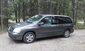 Fully equipped 2005 Ford Freestar Minivan running great