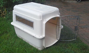 Petmate medium-large Dog Crate Kennel - new condition