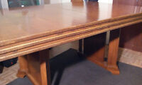 Large Antique oak dining table only 150 bucks