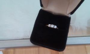 Ladies.    3.    White.  Clear.   Diamonds.   Ring. .........o b