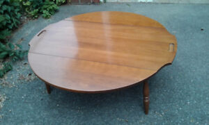 Coffee table in really good shape.