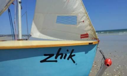 Heron Sailing Dingy 9402 Gup B