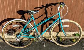 Retro Vintage Road bike Peugeot Parisienne Student hipster town city