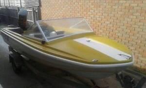 CARIBBEAN CAMARO ski speed fishing boat Bairnsdale East Gippsland Preview