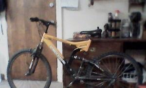 Super cycle Menace 7005 Aluminum