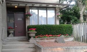 UPPER 1 BEDROOM APARTMENT DOWNTOWN ST. CATHARINES