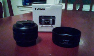 LIKE NEW Canon EF 50mm STM prime lens with ES-68 lens hood