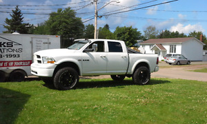 2010 dodge ram 1500 lifted on 37s