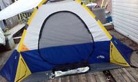Tentes et equipement pour camping ,peche, chasse etc