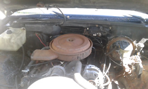 GM V8 305 TBI engine