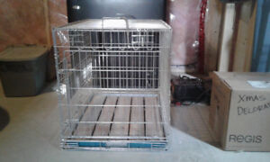 Dog  crete with removable tray