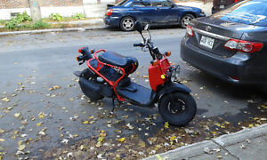 Scooter Ruckus rouge, bonne condition