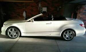 2011 Mercedes Benz E350 Convertible (LOW MILEGE)