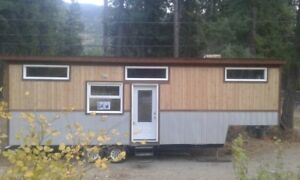 NEW PRICE 300 sq foot mobile tiny house on 33' fth wheel trailer