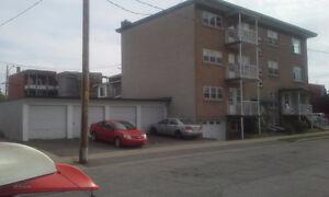 immeuble à revenus shawinigan (7 logements et 5 garages)