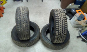 4 Uniroyal Tigerpaw Ice and Snow Tires 195/65R15 91S