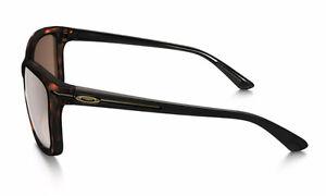 Like New Oakley Woman's Drop In Sunglasses London Ontario image 2