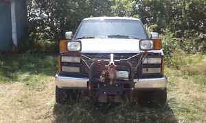 Parting out a 1996 chevy 2500 pickup with plow and pump Kingston Kingston Area image 2