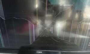 """55"""" Sony Bravia LCD TV - Damage screen - as is  Cambridge Kitchener Area image 4"""