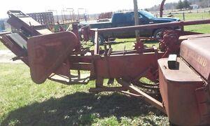 Machine agricole New Holland et piéces