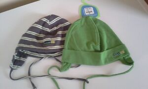 2 tuques 2/3T NEUF