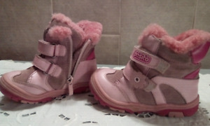 Girls size 8 winter walking boots