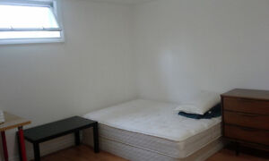 A clean and quiet room by Southgate LRT